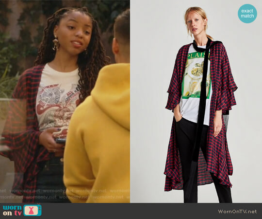 Checked Kimono with Ruffled Sleeves by Zara worn by Jazlyn Forster (Chloe Bailey) on Grown-ish