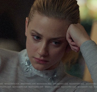 Betty's grey sweater with embroidered collar on Riverdale