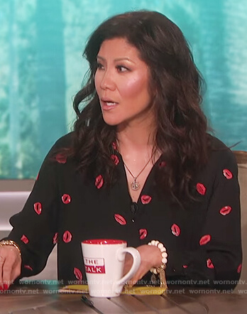 Julie's black lip print top on The Talk