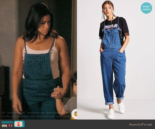 Forever 21 Denim Cami Overalls worn by Jane Villanueva (Gina Rodriguez) on Jane the Virgin