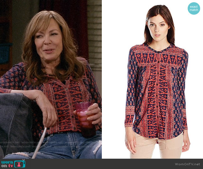 Lucky Brand Woodblock Top  worn by Bonnie Plunkett (Allison Janney) on Mom