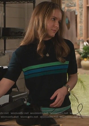 Taylor's green short sleeve sweater on The Fosters