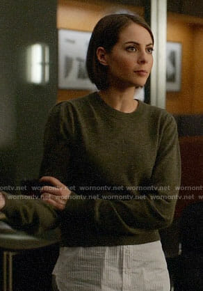 Thea's layered sweater on Arrow