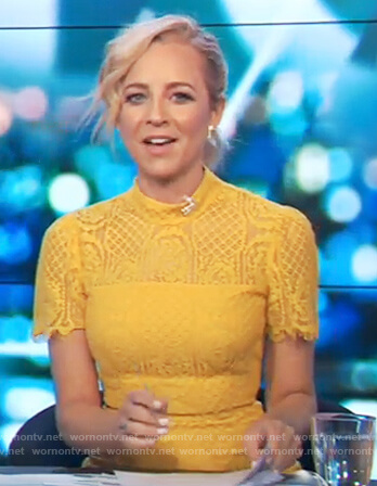 Carrie's yellow lace dress on The Project