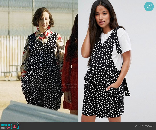 ASOS Maternity Dungaree Playsuit with Strapping Detail in Spot Print worn by Kristen Schaal on Last Man On Earth