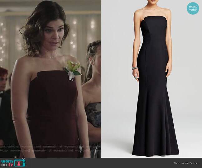 Deco Neckline Strapless Gown by Jill Jill Stuart worn by Heather Hughes (Betsy Brandt) on Life in Pieces