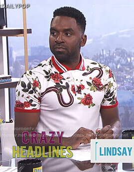 Justin's white snake and floral print polo shirt on E! News Daily Pop