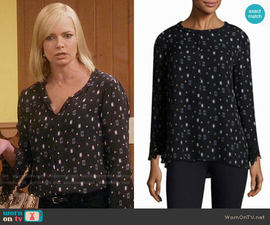 Kobi Halperin Cassie Blouse worn by Jaime Pressly on Mom