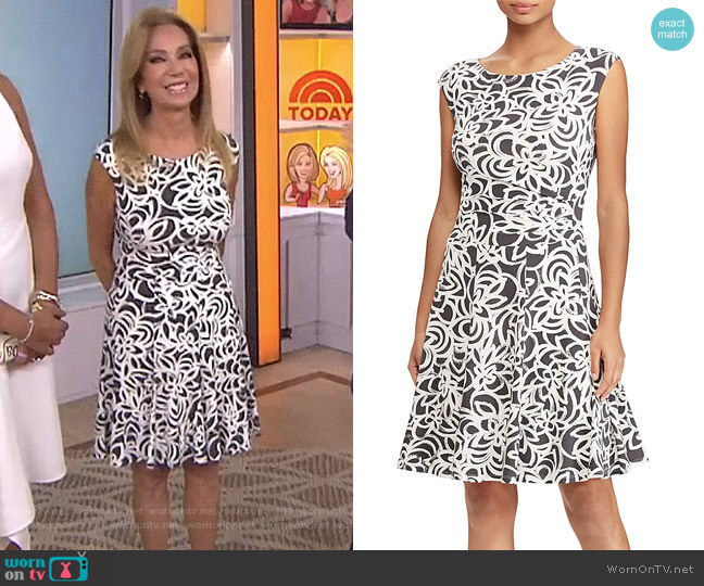 Petites Floral Jersey Dress by Lauren Ralph Lauren Petites worn by Kathie Lee Gifford on Today