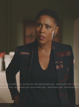 Lynn's black and copper blazer on Black Lightning