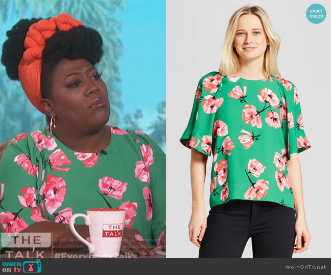 Short Exaggerated Sleeve Blouse by Who What Wear for Target worn by Sheryl Underwood  on The Talk