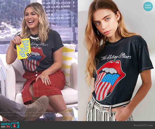 The Rolling Stones American Flag Lips Tee by Urban Outfitters worn by Carissa Loethen Culiner  on E! News