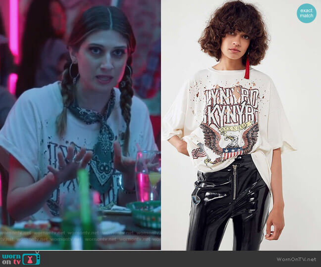 Lynyrd Skynyrd Oversized Tee by Urban Outifitters worn by Nomi Segal (Emily Arlook) on Grown-ish