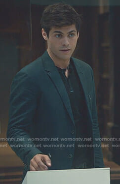 Alec's navy zip pocket blazer on Shadowhunters