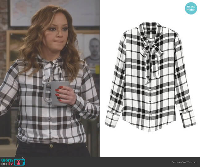 Dillon-Fit Tie-Neck Flannel Shirt by Banana Republic worn by Vanessa Cellucci (Leah Remini) on Kevin Can Wait