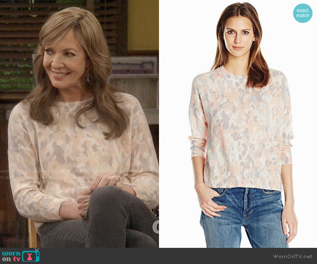 Equipment Melanie Sweater in Parasol Peach worn by Bonnie Plunkett (Allison Janney) on Mom