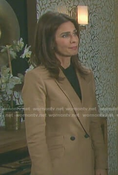 Hope's beige double breasted blazer on Days of our Lives