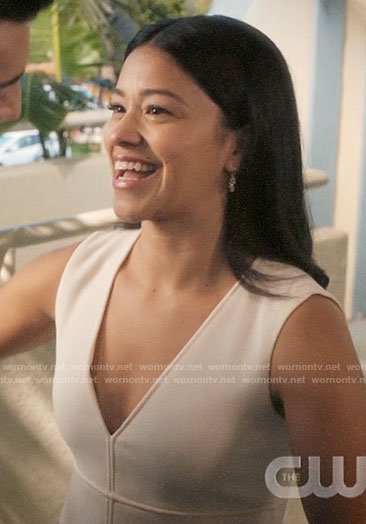 Jane's white a-line dress with pockets on Jane the Virgin