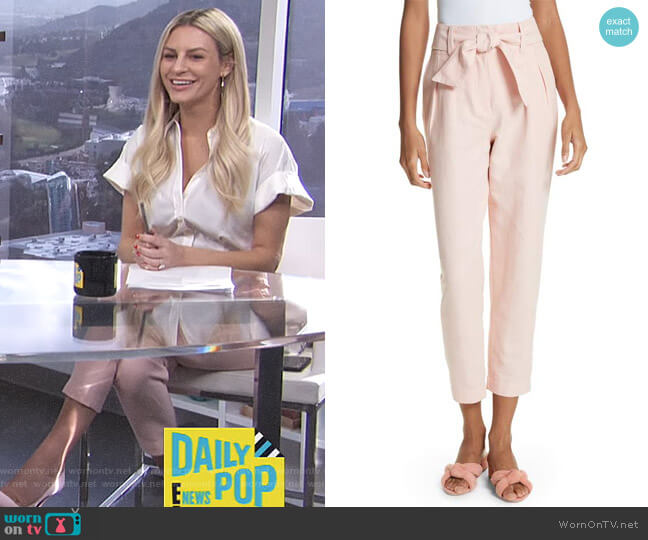 Jun Cotton & Linen Ankle Pants by Joie worn by Morgan Stewart on E! News