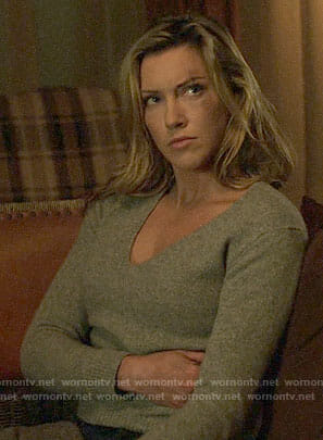 Laurel's grey v-neck sweater on Arrow