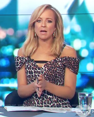 Carrie's cold shoulder leopard print dress on The Project