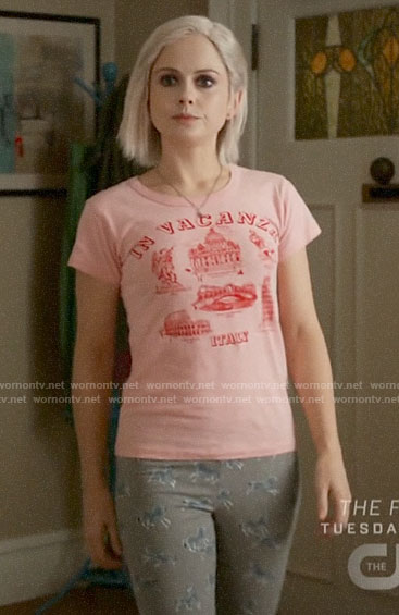 Liv's pink In Vacanza graphic tee on iZombie