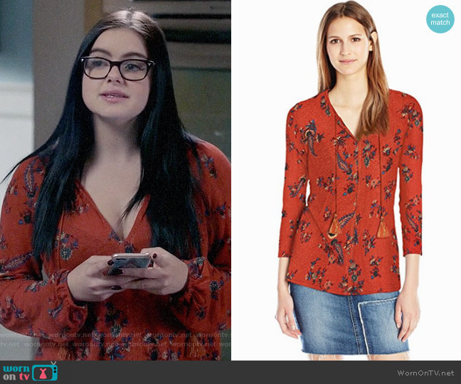 Lucky Brand Printed Peasant Top worn by Ariel Winter on Modern Family
