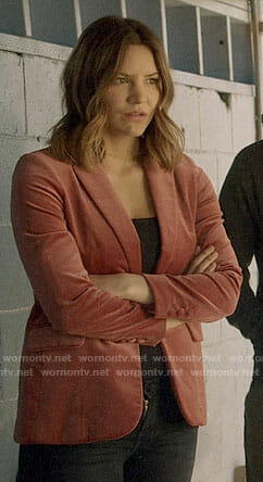 Paige's pink velvet blazer on Scorpion