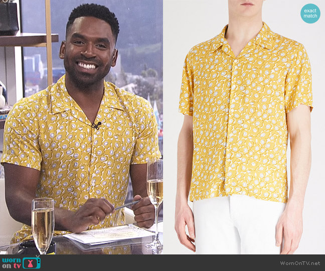 Floral-Pattern Woven Shirt by Sandro worn by Justin Sylvester on E! News