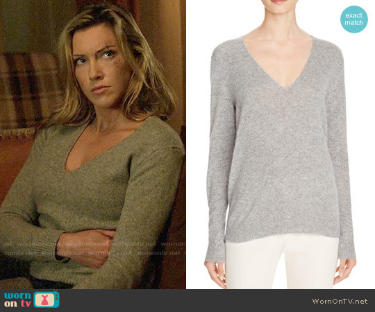 Theory Adrianna Sweater worn by Laurel Lance (Katie Cassidy) on Arrow