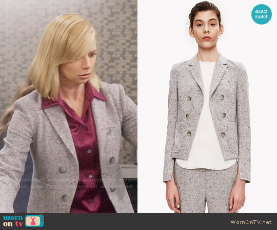 Theory Jontia Jacket worn by Jill Kendall (Jaime Pressly) on Mom