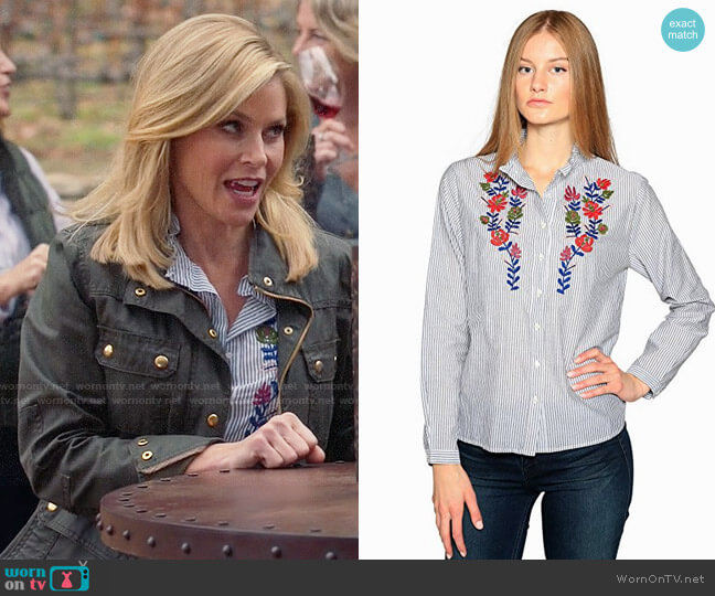 Velvet by Graham & Spencer Kaidy Shirt worn by Claire Dunphy (Julie Bowen) on Modern Family