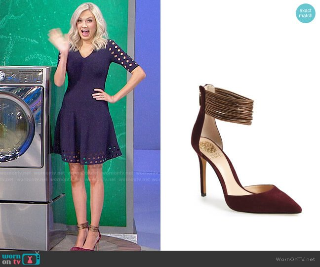 Vince Camuto Nayz Pumps worn by Melissa Ordway on The Young & the Restless