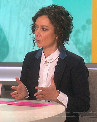 Sara's white star embroidered collared shirt on The Talk