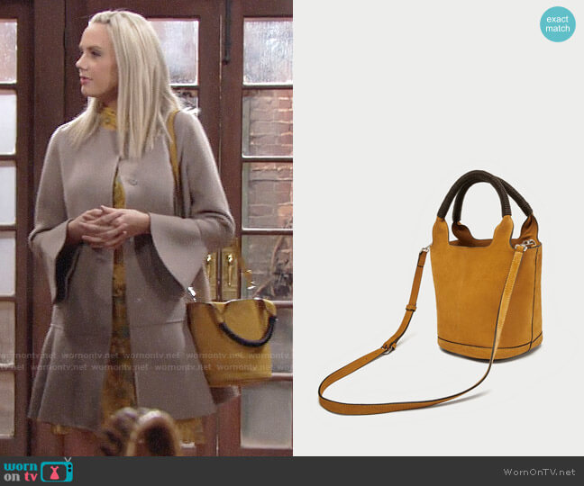 Zara Split Suede Midi Tote Bag worn by Abby Newman (Melissa Ordway) on The Young & the Restless