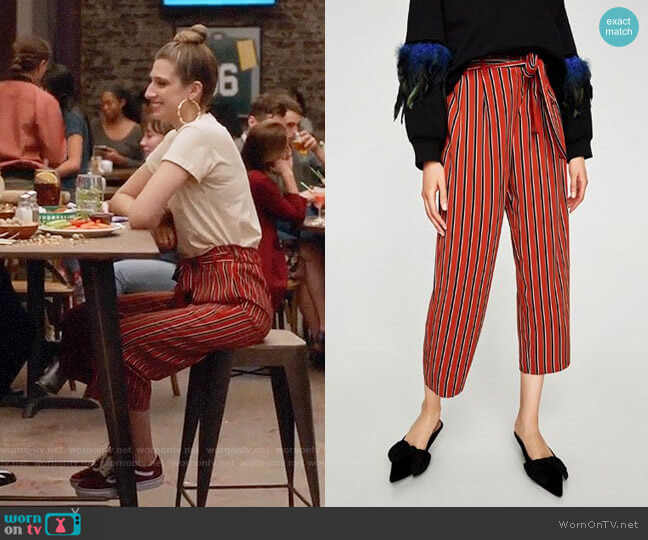 Zara Flowing Cropped Trousers worn by Emily Arlook on Grown-ish