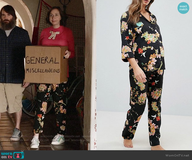 ASOS Maternity Dark Floral Pants Pajama Set worn by Kristen Schaal on Last Man On Earth