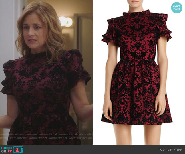 Flocked Ruffle-Sleeve Dress by Aqua worn by Jenna Fischer on Splitting Up Together
