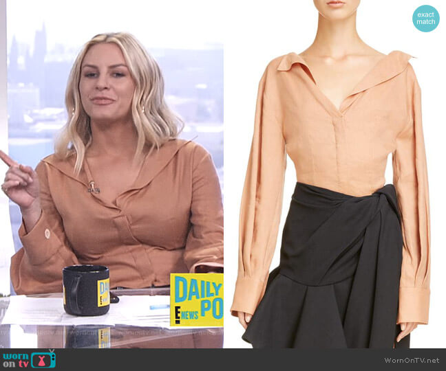 la Chemise Pleated Cuff Linen Blend Blouse by Jacquemus worn by Morgan Stewart (Morgan Stewart) on E! News