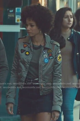Maia's khaki bomber jacket with patches on Shadowhunters