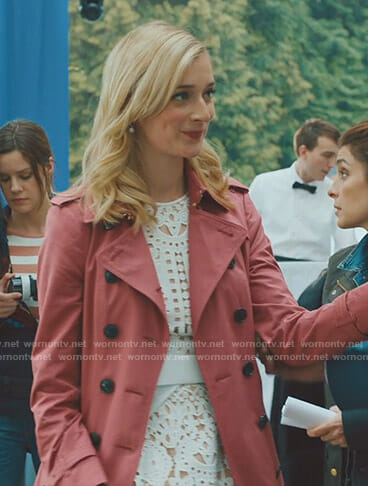 Serena's pink trench coat on UnReal