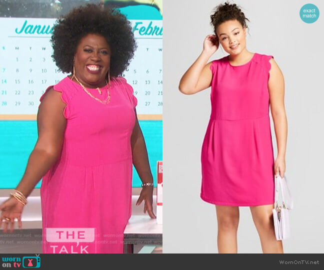 8595d0b56360 A New Day Plus Size Scallop Sleeve Crepe Dress from Target worn by Sheryl  Underwood on