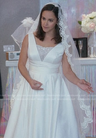 Amy's wedding dress on Brooklyn Nine-Nine