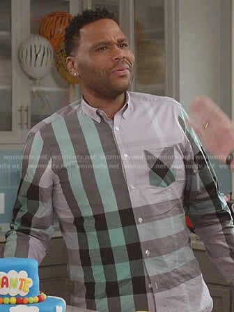Andre's grey and green checked shirt on Black-ish