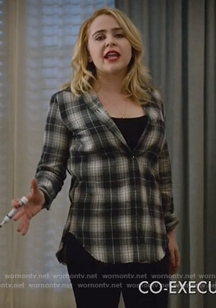 Annie's black plaid shirt on Good Girls