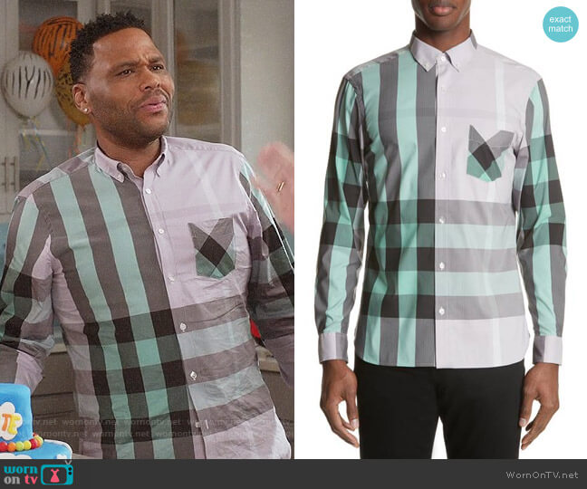 Burberry Thornaby Shirt in Pale Lilac worn by Andre Johnson (Anthony Anderson) on Blackish