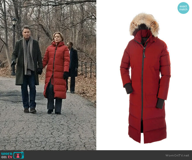 Canada Goose Mystique Parka worn by Elizabeth McCord (Téa Leoni) on Madam Secretary