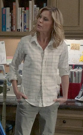 Claire's white windowpane check shirt on Modern Family