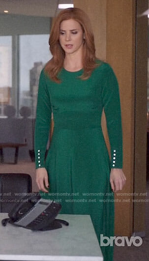 Donna's green long sleeve dress on Suits