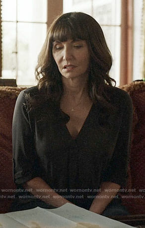Gail's black v-neck top on Last Man on Earth